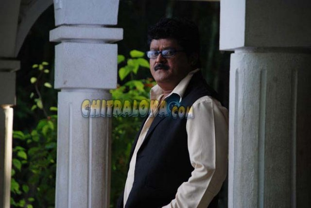 Jaggesh Lift Kodla Movie Images