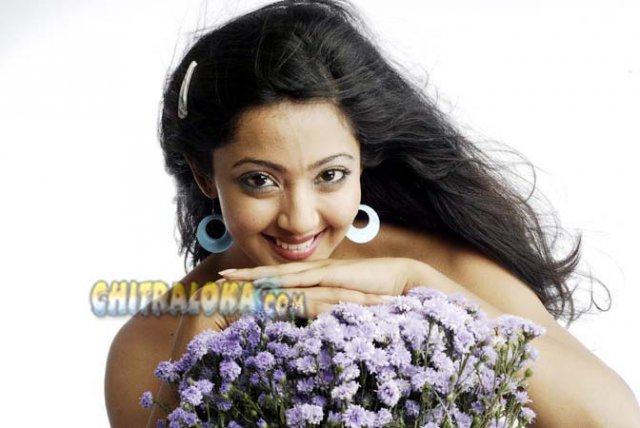 Aindrita Ray Dhool Movie Image