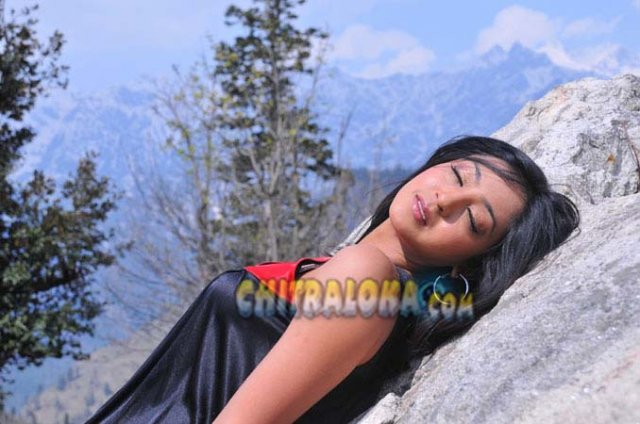 Aindrita Ray Manasina Mathu Movie Image