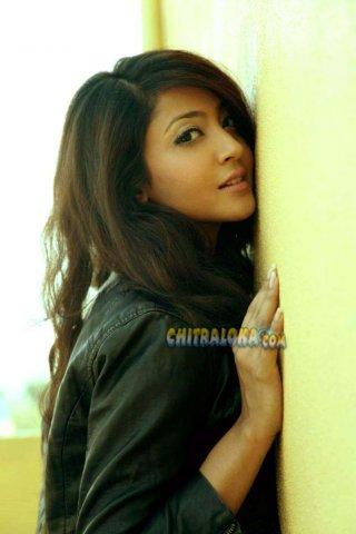 Uma Shivakumar Movie Images - Aindrita Ray Galley - chitraloka.com ...