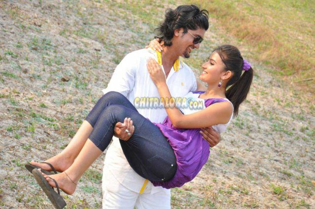 Naanu Hemanth Avalu Sevanthi Movie Image