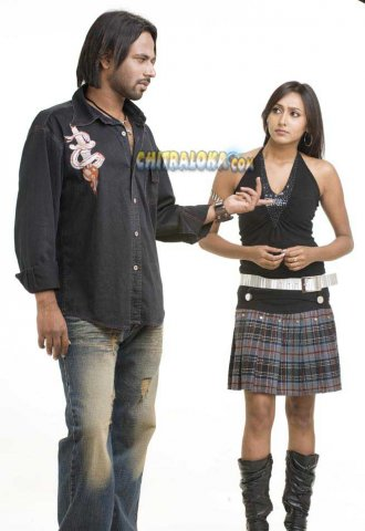 Preethiya Theru Movie Image