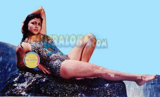 kushboo swimsuit image ranadheera actress kushboo in swimsuit