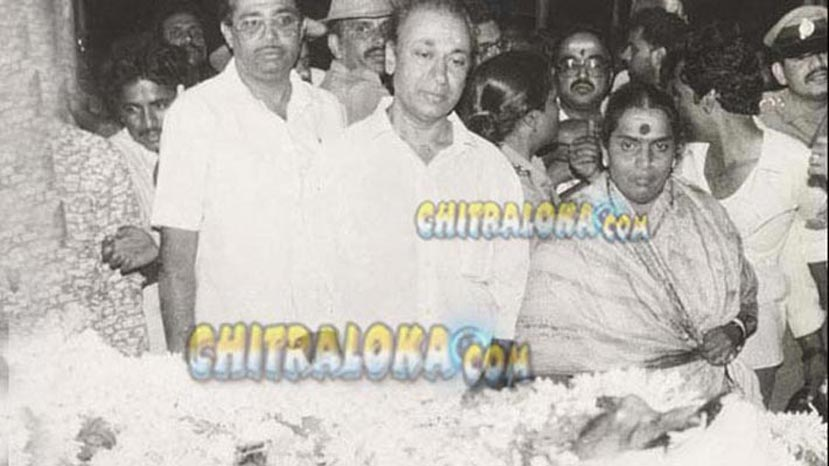 dr rajkumar family during shankarnag death