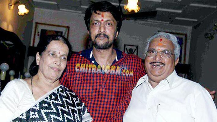 sudeep with parents image