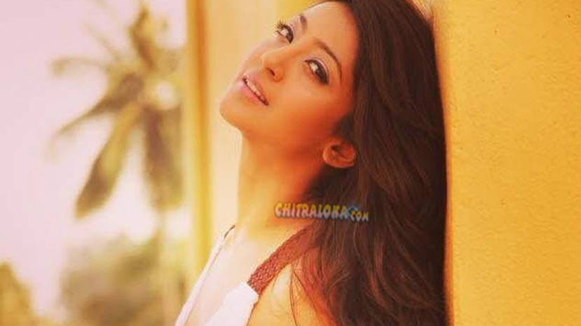 aindrita ray replaces deepa sannidhi