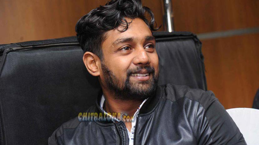 bollywood writer for dhruva's next