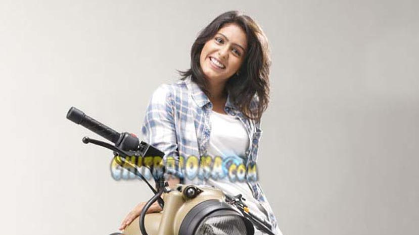 samyuktha hegde in tamil movie