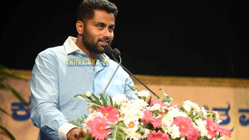 abhishek ambareesh steals fans hearts again