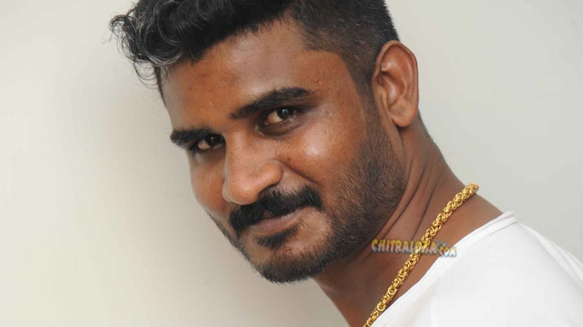 chikkanna aspires to do villain roles