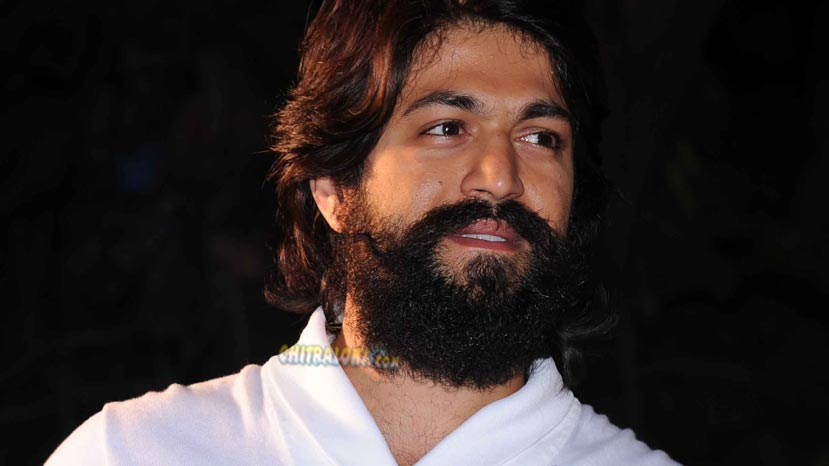 yash reveals interesting story behind kgf