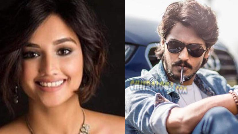 akanksha to star opposite vikram