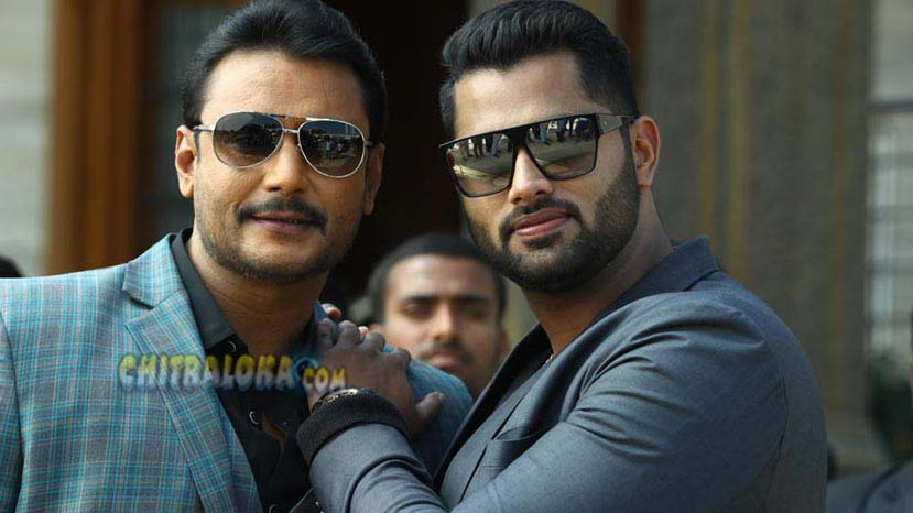 darshan acts as aboshek's brother in amar