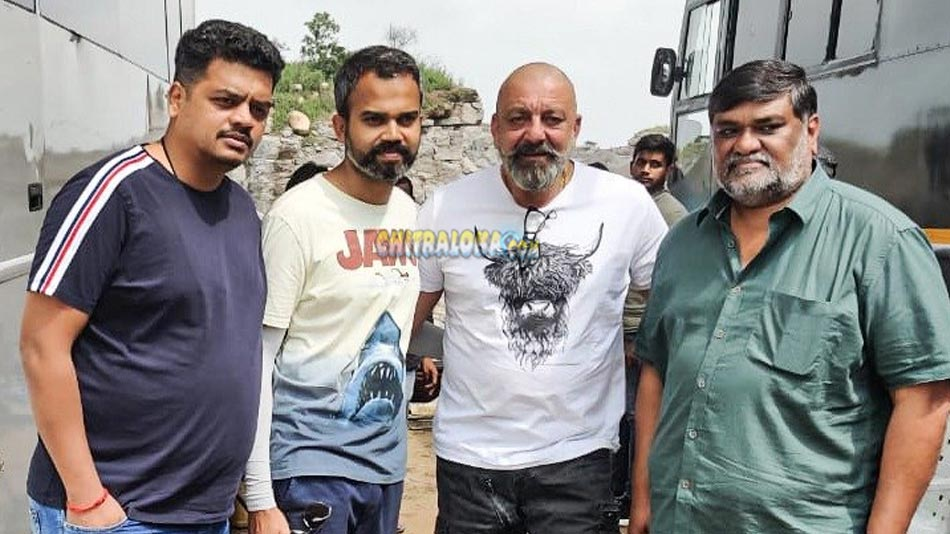 adheera enters kgf 2 shooting sets