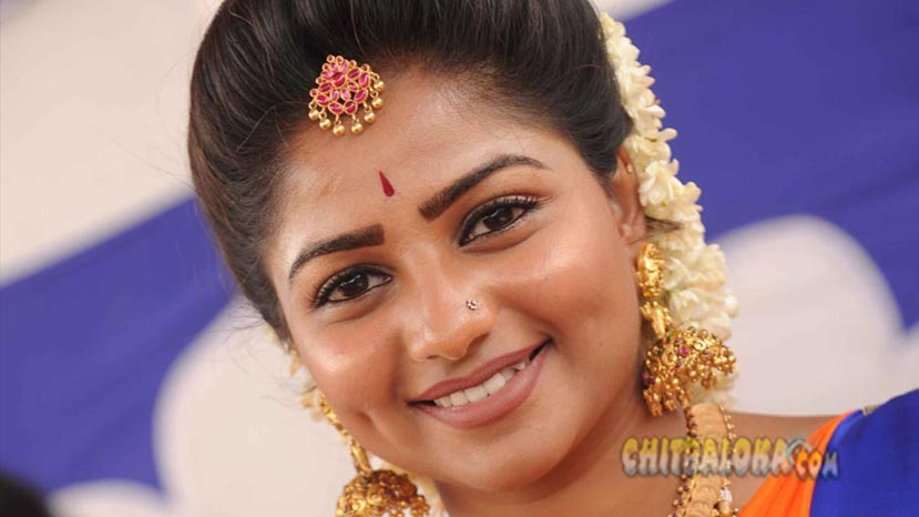 rachita ram flies to telugu film industry