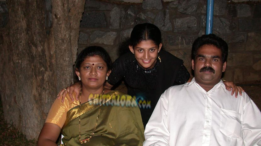 radhika kumaraswamy's father no more