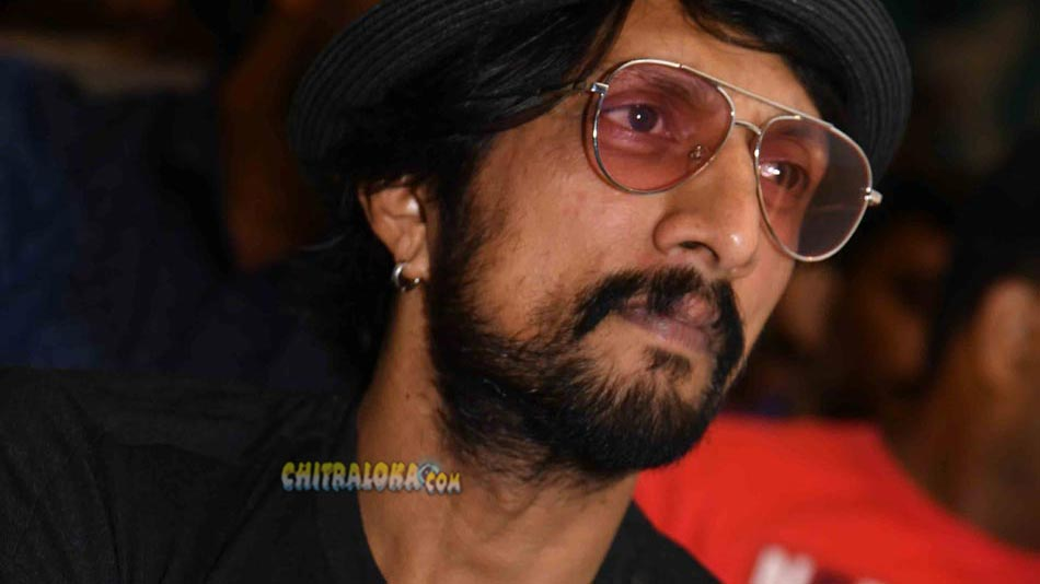sudeep mourns over his fan's death