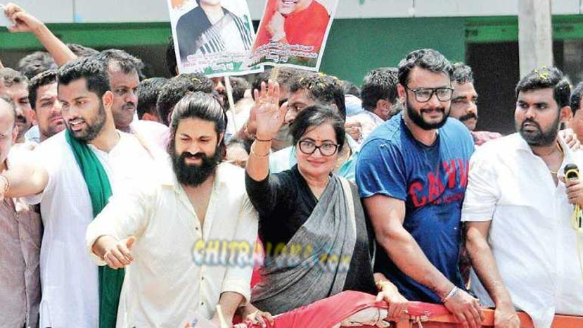sumalatha gets massive support from fanfare