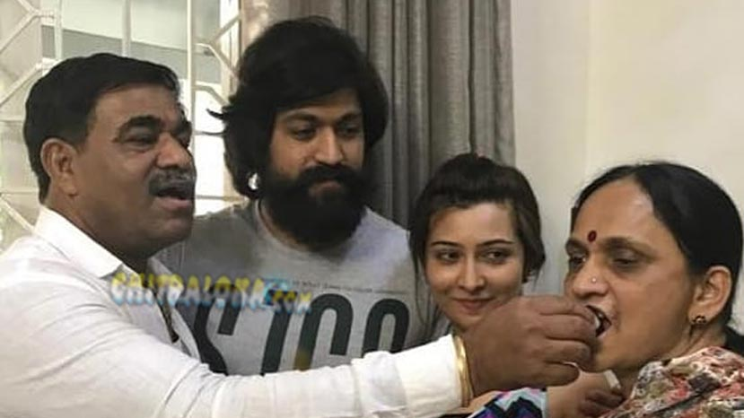 radhika pandit celebrates in laws wedding anniversary