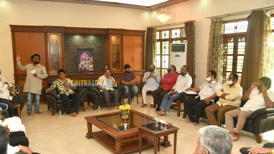 sandalwood team to meet chief minister on monday