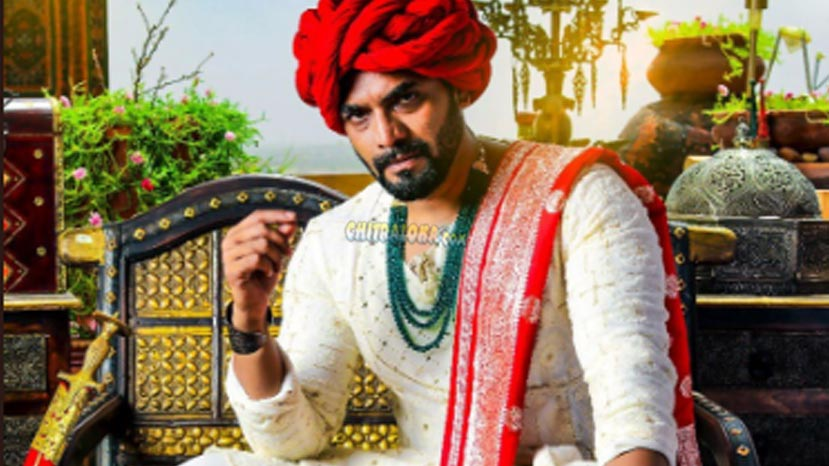 murali fights nine villains for bhat=raate